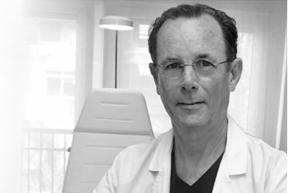 Dr. Fernando de la hoz